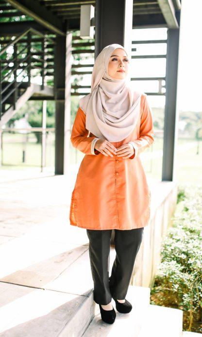 Dalia05 - Tunik Blouse Muslimah Cotton Labuh Oren 1