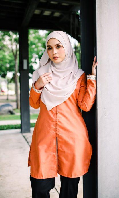 Dalia05 - Tunik Blouse Muslimah Cotton Labuh Oren 3