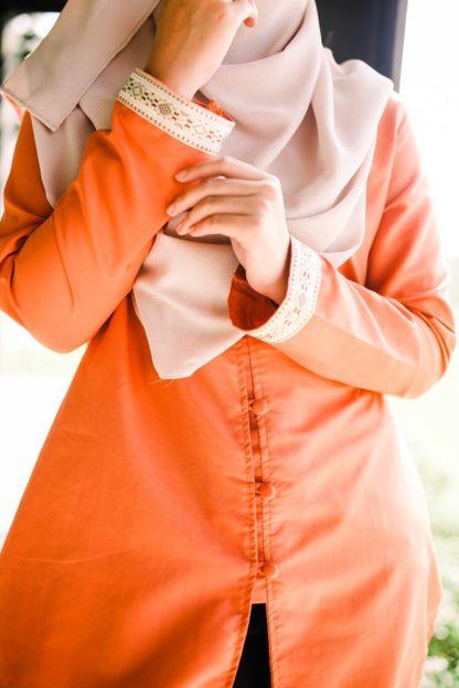 Dalia05 - Tunik Blouse Muslimah Cotton Labuh Oren 4