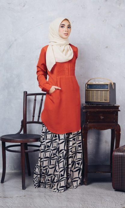 Nuha10 Blouse Muslimah Labuh Merah Bata 2