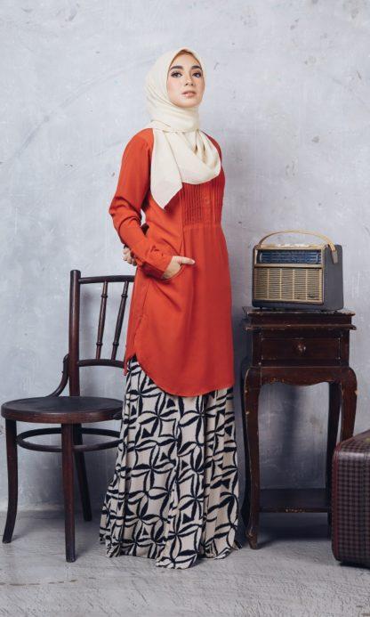 Nuha10 Blouse Muslimah Labuh Merah Bata 4