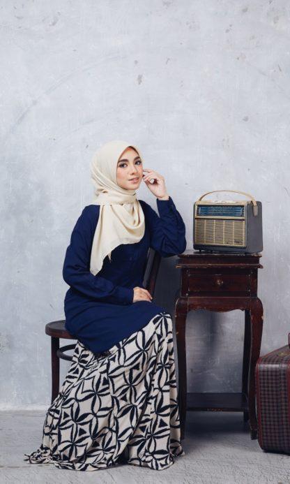 Nuha11 Blouse Muslimah Labuh Dark Blue 6