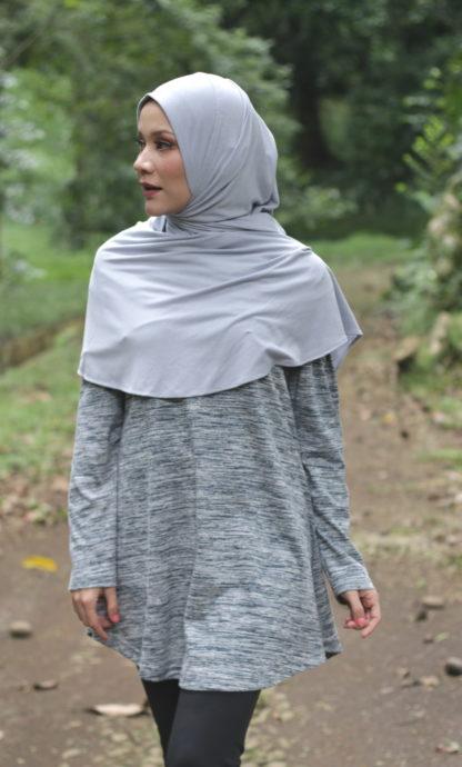 T Shirt Muslimah Haleema H9019B Hitam 2