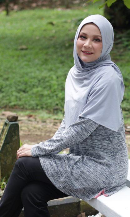 T Shirt Muslimah Haleema H9019B Hitam 3